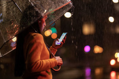 Apple-iPhone-Xs-Max-lifestyle-09122018tibi.jpg